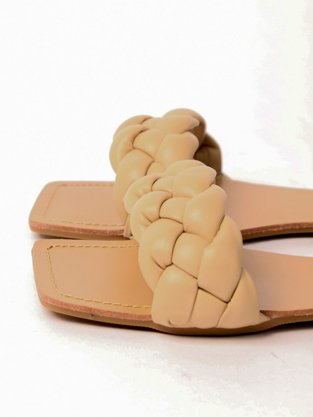 Sandalia trenzada Nude