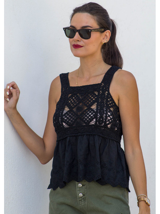 Top Crochet Negro