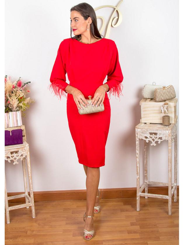 Vestido plumas rojo ablusonado